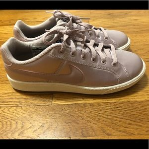 Nike sneakers, size 7.5